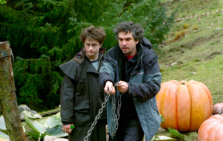 Alfonso Cuarón directs Buckbeak's escape