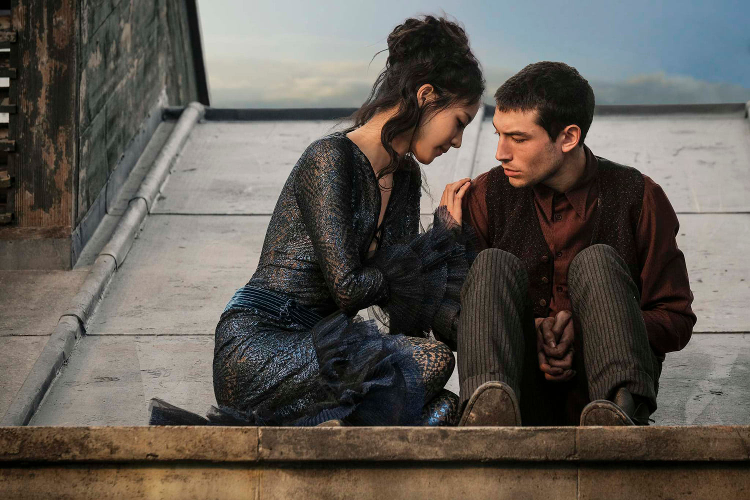 Credence and Nagini on the roof