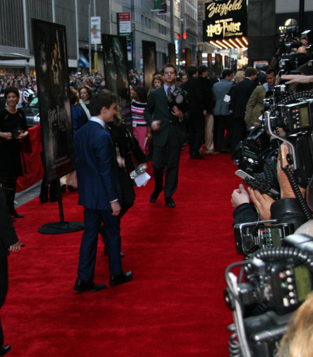 Daniel Radcliffe walks the red carpet at the New York City 'Goblet of Fire' premiere