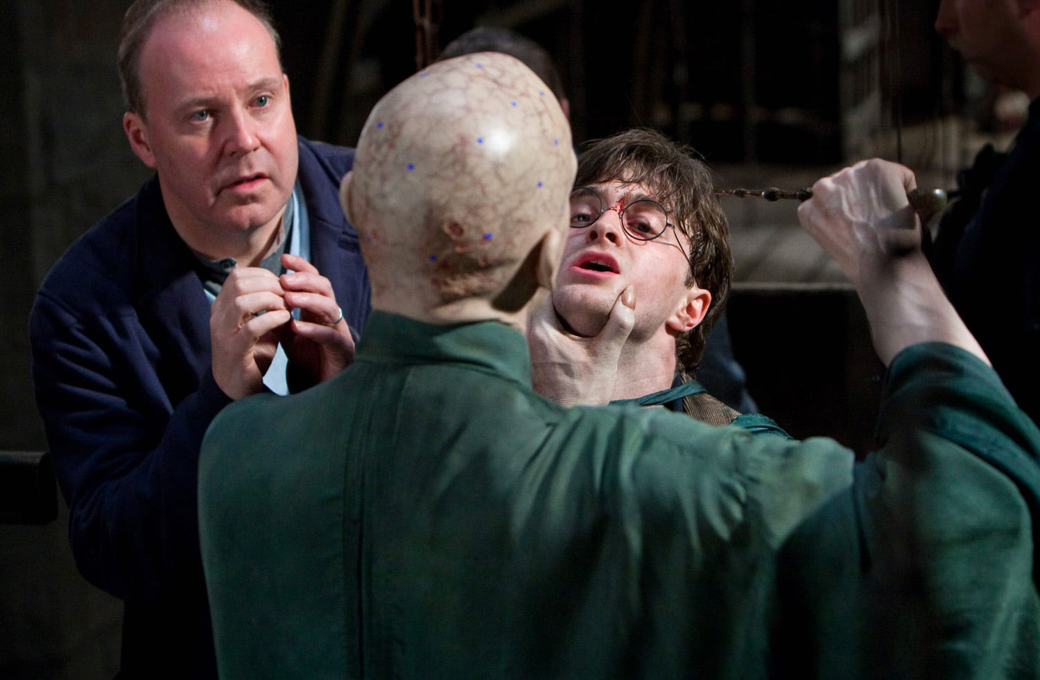 David Yates directing Ralph Fiennes and Dan Radcliffe