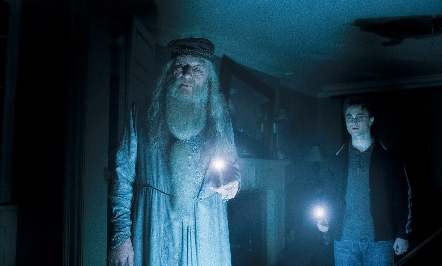 Dumbledore and Harry enter Slughorn's dwelling