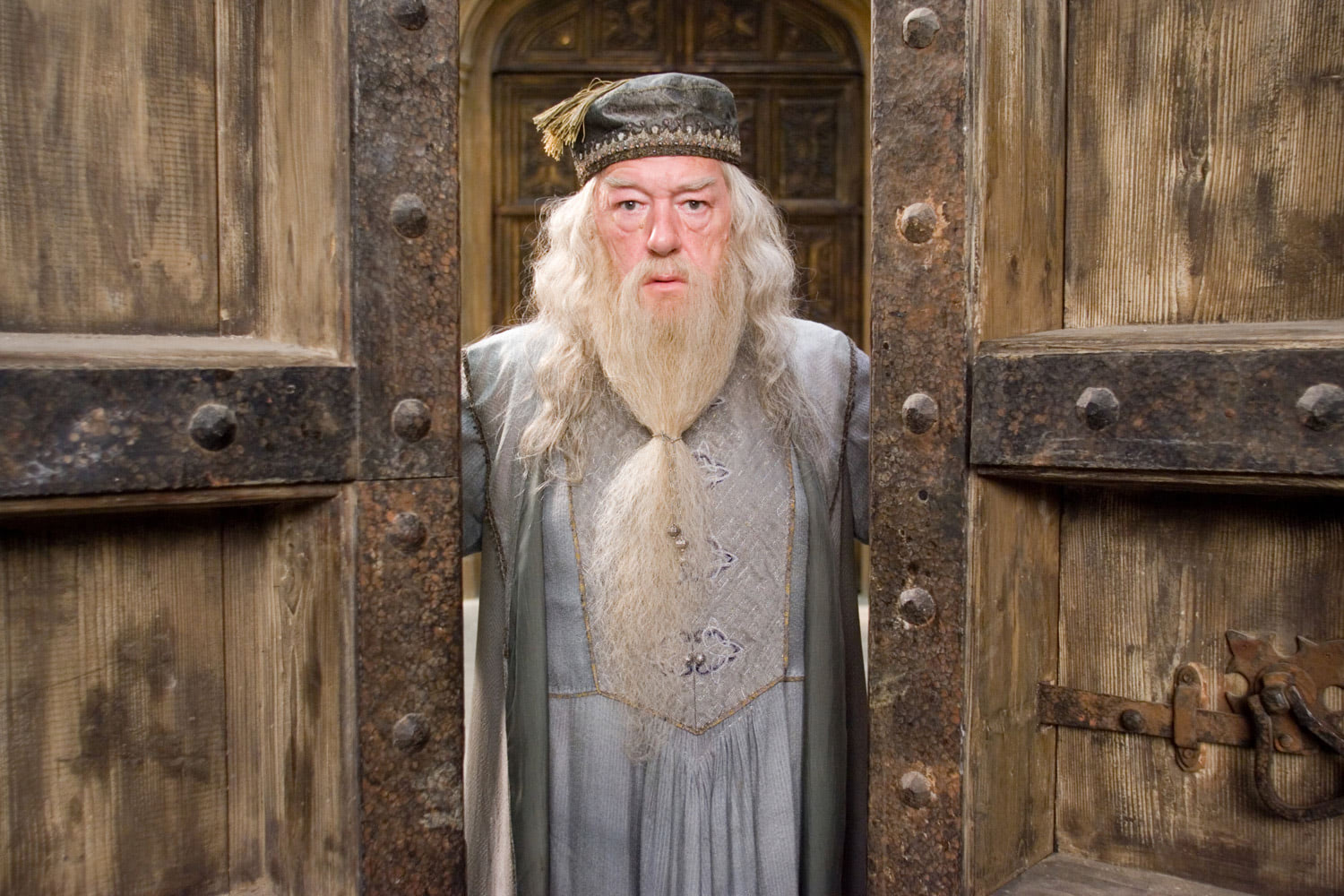 Dumbledore at the Hogwarts doors