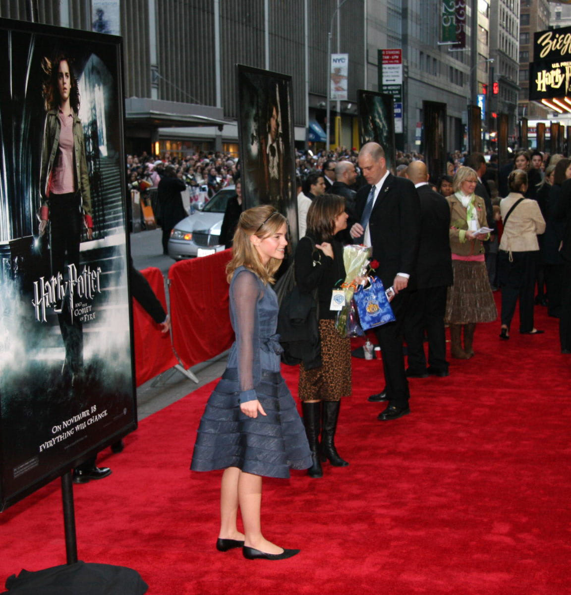 Emma Watson At The New York City Goblet Of Fire Premiere Harry Potter Fan Zone