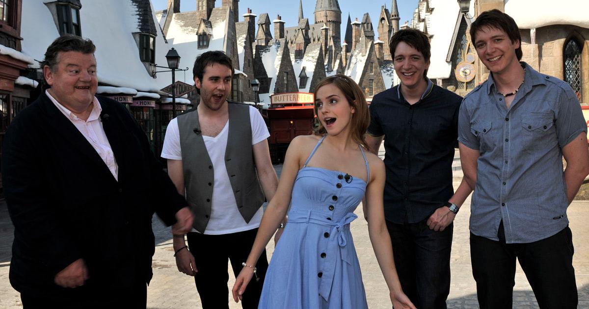 'Harry Potter' cast visit 'The Wizarding World of Harry Potter'