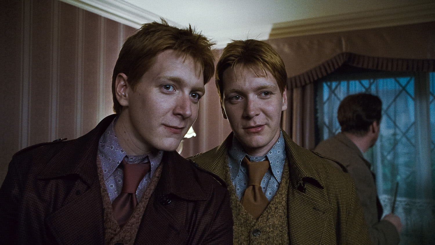 Fred and George Weasley in Privet Drive