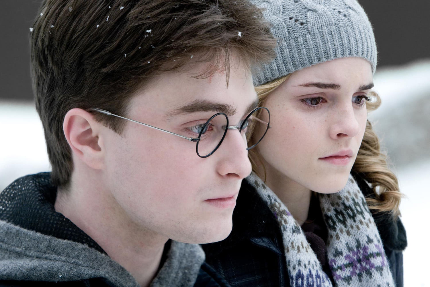 Harry and Hermione in winter