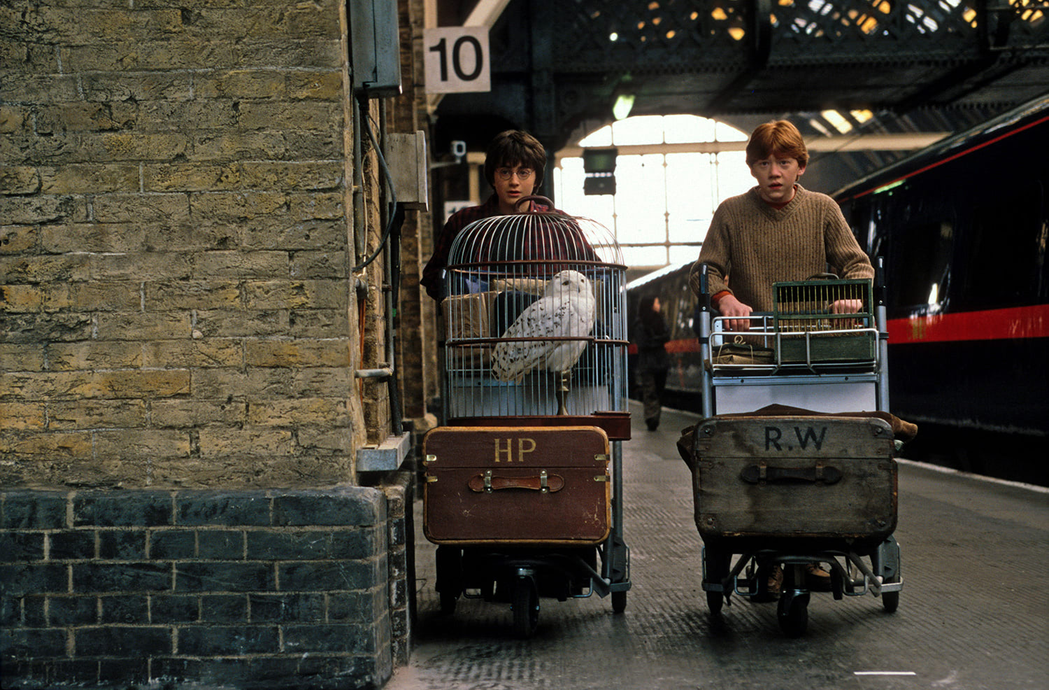 Harry and Ron at King's Cross Station