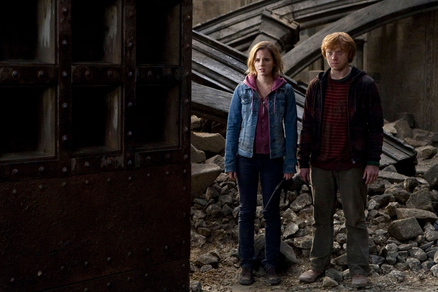 Hermione and Ron look at the destruction