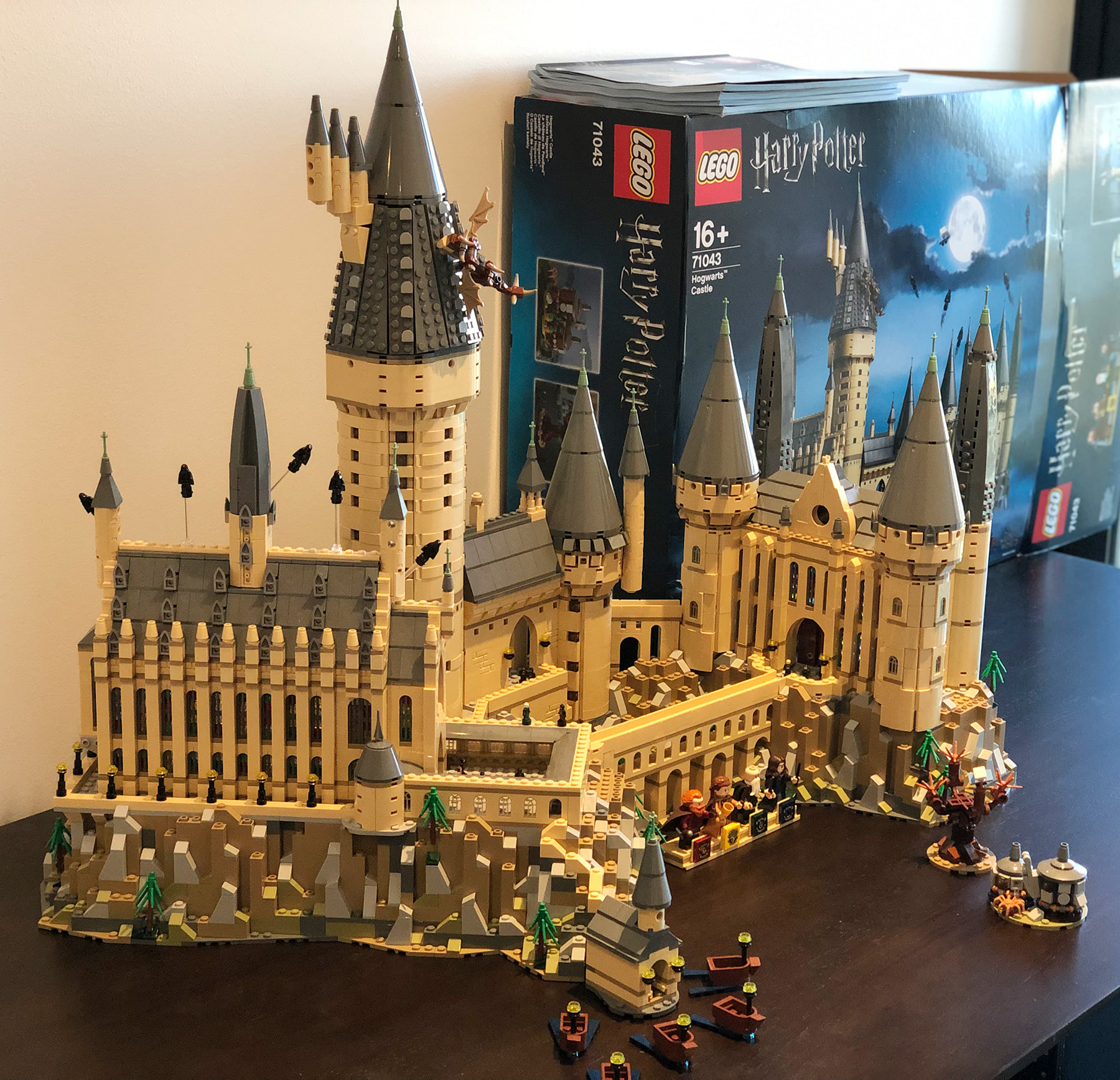 LEGO Hogwarts Castle (71043) complete build