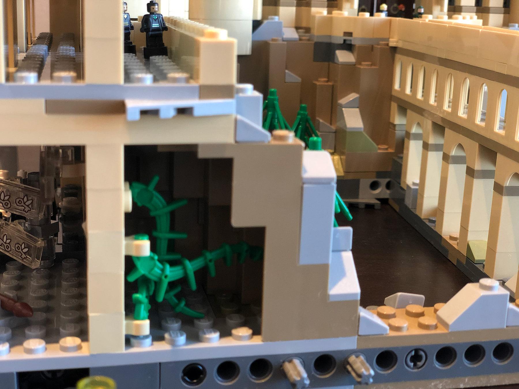 LEGO Hogwarts Castle (71043) Devil's Snare room