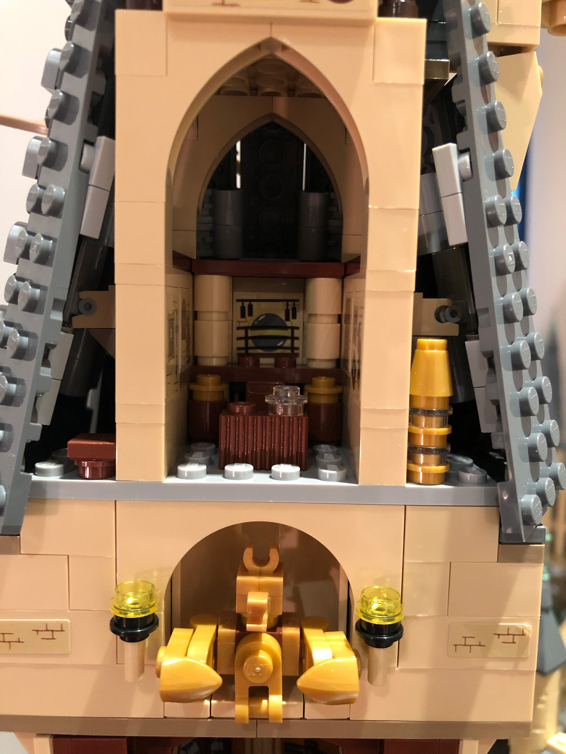 LEGO Hogwarts Castle (71043) Dumbledore's office