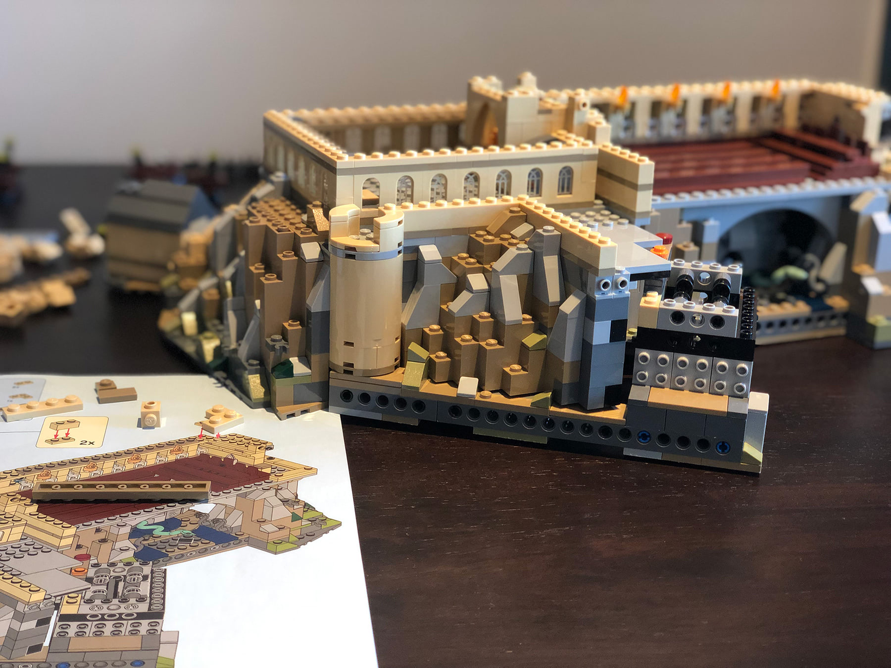LEGO Hogwarts Castle (71043) exterior build