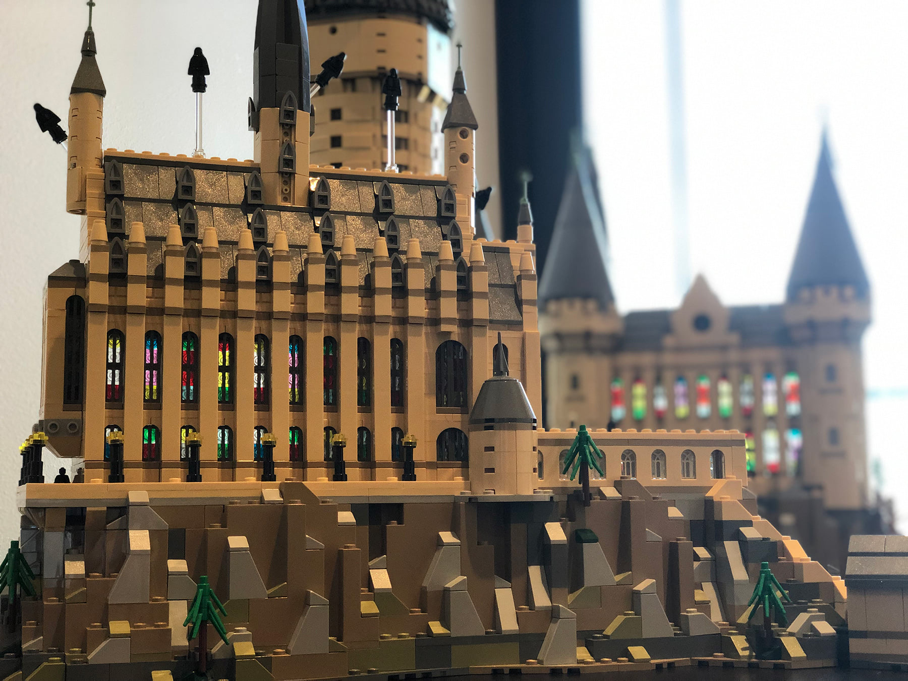 LEGO Hogwarts Castle (71043) stained glass windows