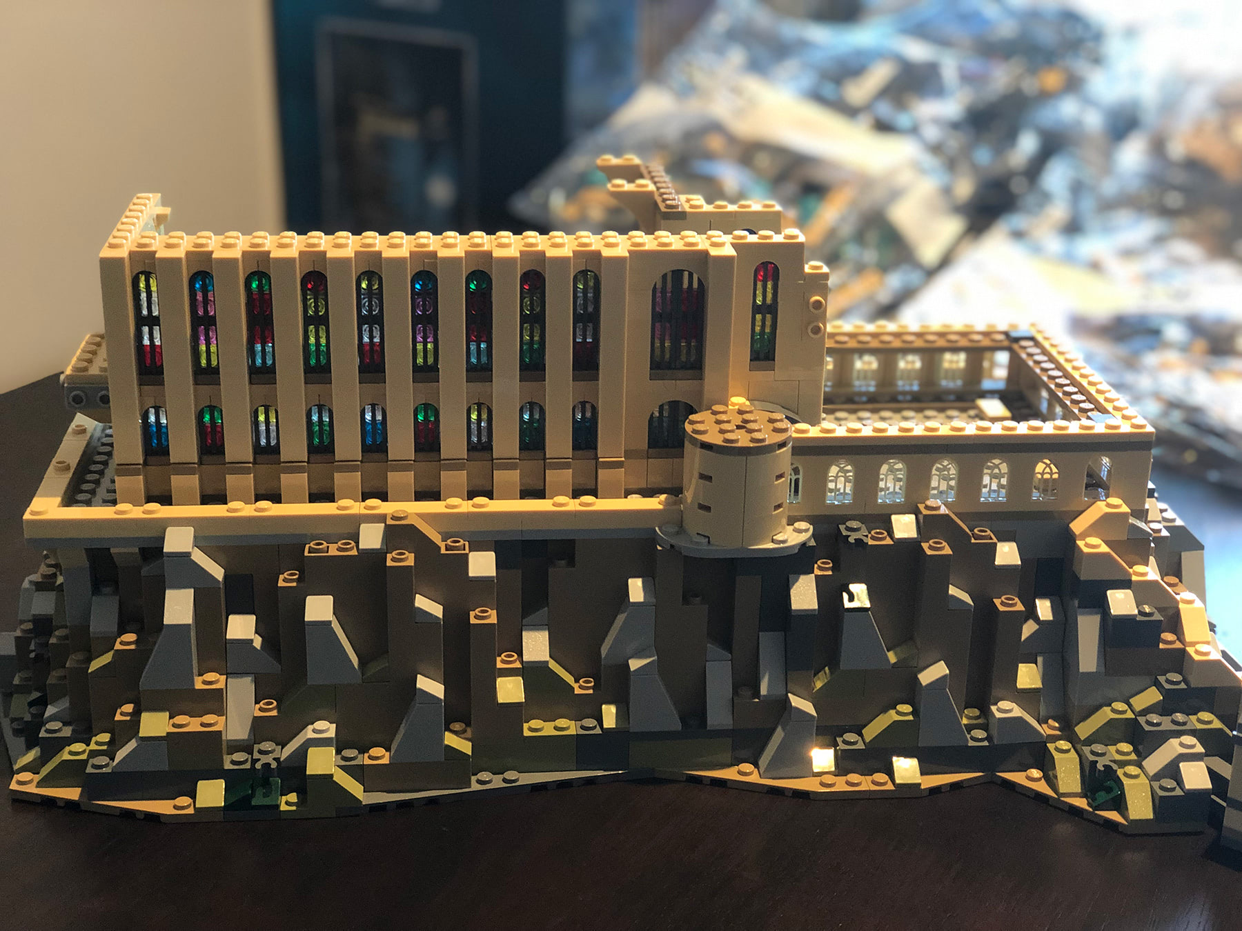 LEGO Hogwarts Castle (71043) Great Hall exterior