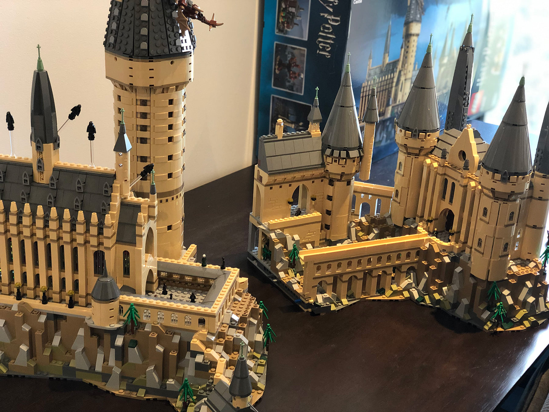 LEGO Hogwarts Castle (71043) split sections