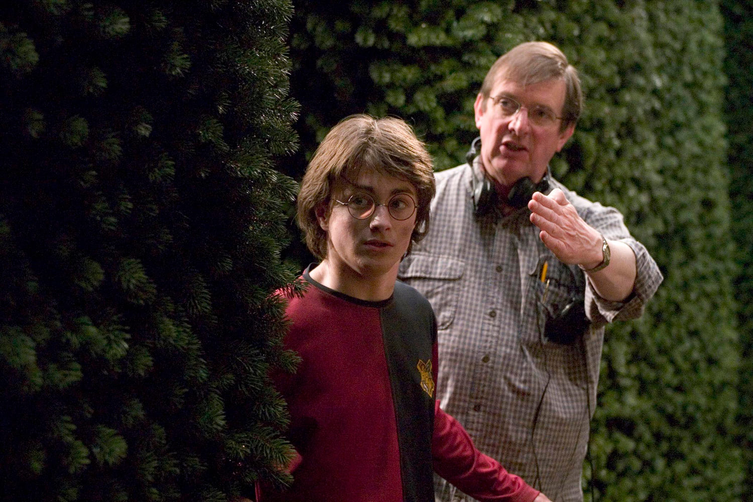 Mike Newell and Dan Radcliffe in the maze