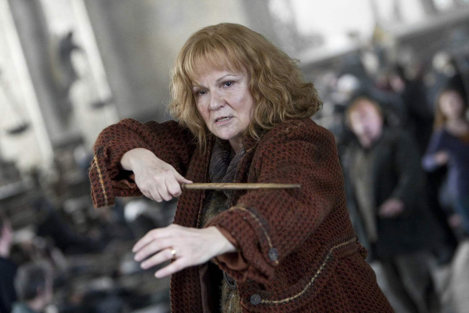 Molly Weasley ready to battle