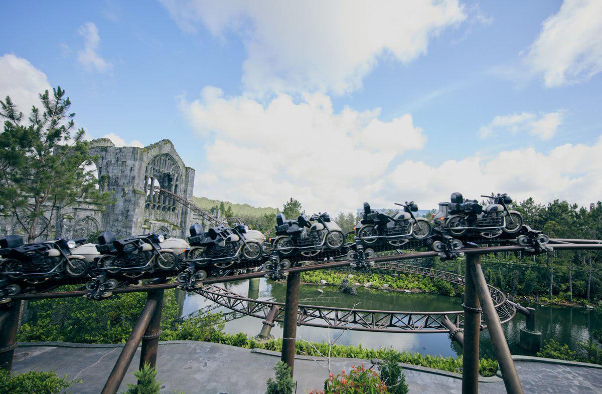 Motorbikes (Hagrid's Magical Creatures Motorbike Adventure)