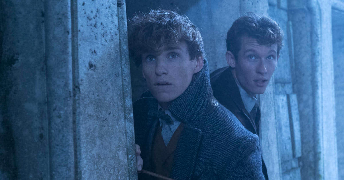 New photo of Newt and Theseus Scamander from 'Crimes of Grindelwald'