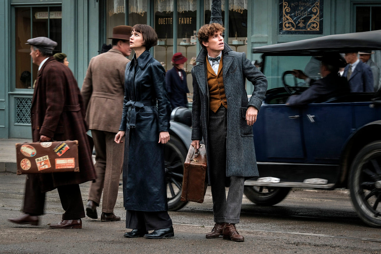 Tina and Newt in Paris