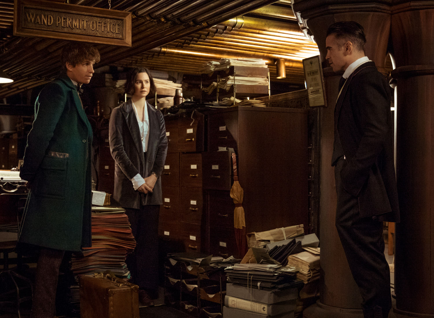 Newt and Tina in the Wand Permit Office