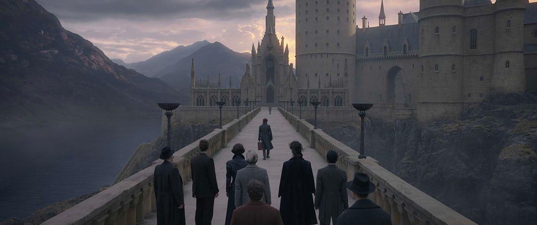 Newt arrives at Hogwarts