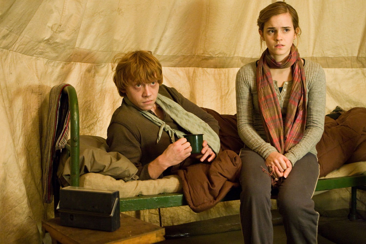 Ron and Hermione in the tent