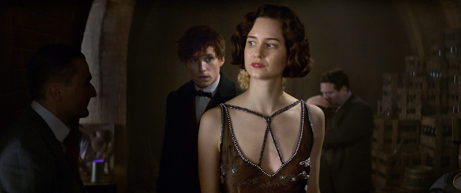 Tina and Newt in the Speakeasy