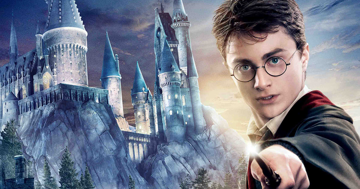 Poster revealed for the 'The Wizarding World of Harry Potter' theme park in Hollywood